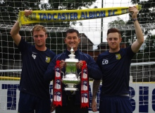 George Bissett (left), Tadcaster manager Paul Marshall and Liam Ormsby (right) with the FA Cup